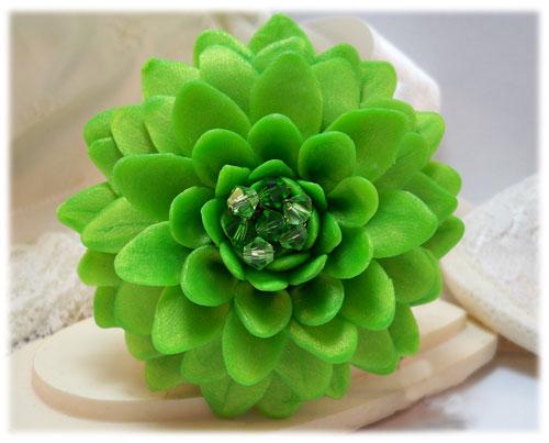 large green chrysanthemum brooch