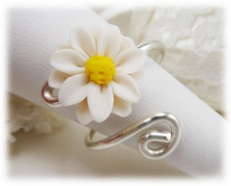 Small White Daisy Ring