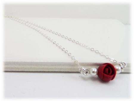 Tiny Flower Necklace
