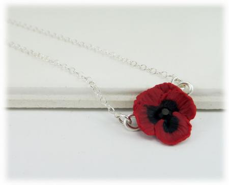 Tiny Pansy Simple Necklace