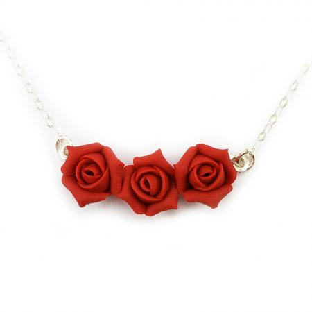 Minimalist Three Flowers Rosebud Necklace