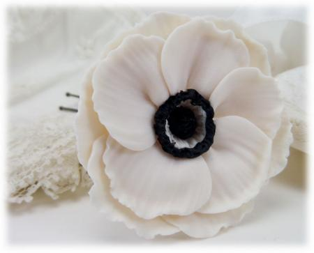 White Black Anemone Hair Pins