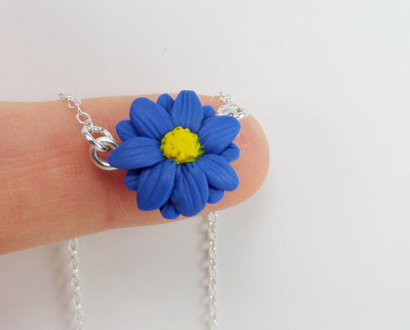 Tiny Aster Necklace Simple Flower Necklace Stranded