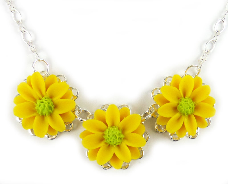 Trio daisy necklace daisy bib necklace trio daisy necklace mightylinksfo Choice Image
