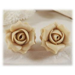 Ecru Pearl Light Rose Stud Earrings
