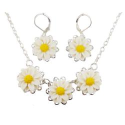 Three Daisy Chain Necklace