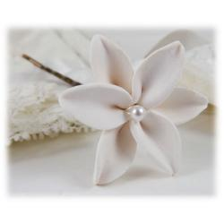 White Lily Pearl Hair Pins