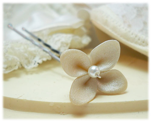 Bridal White Ivory Hydrangea Hair Pins
