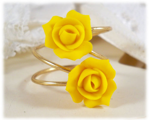Rose Symbolism : Rose Meaning Rings : Meaning of Roses Gift