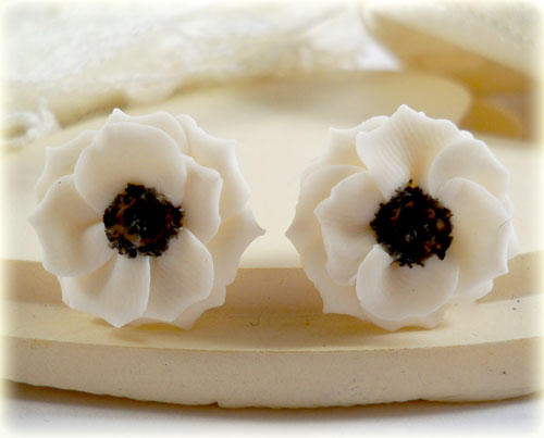 White Black Anemone Stud Earrings